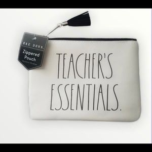 ⚡️FLASH SALE⚡️NWT Teachers Essentials pouch case